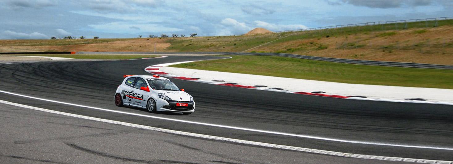Copilotaje a bordo de un Renault Clio Cup en el circuito Los Arcos (Navarra)